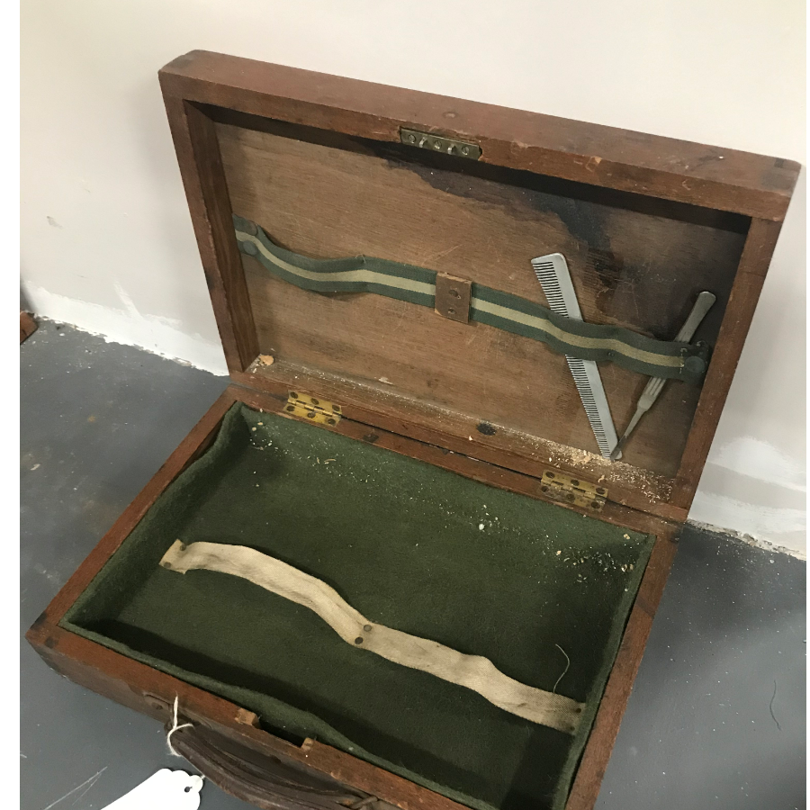 Antique Barber Case VIN64K