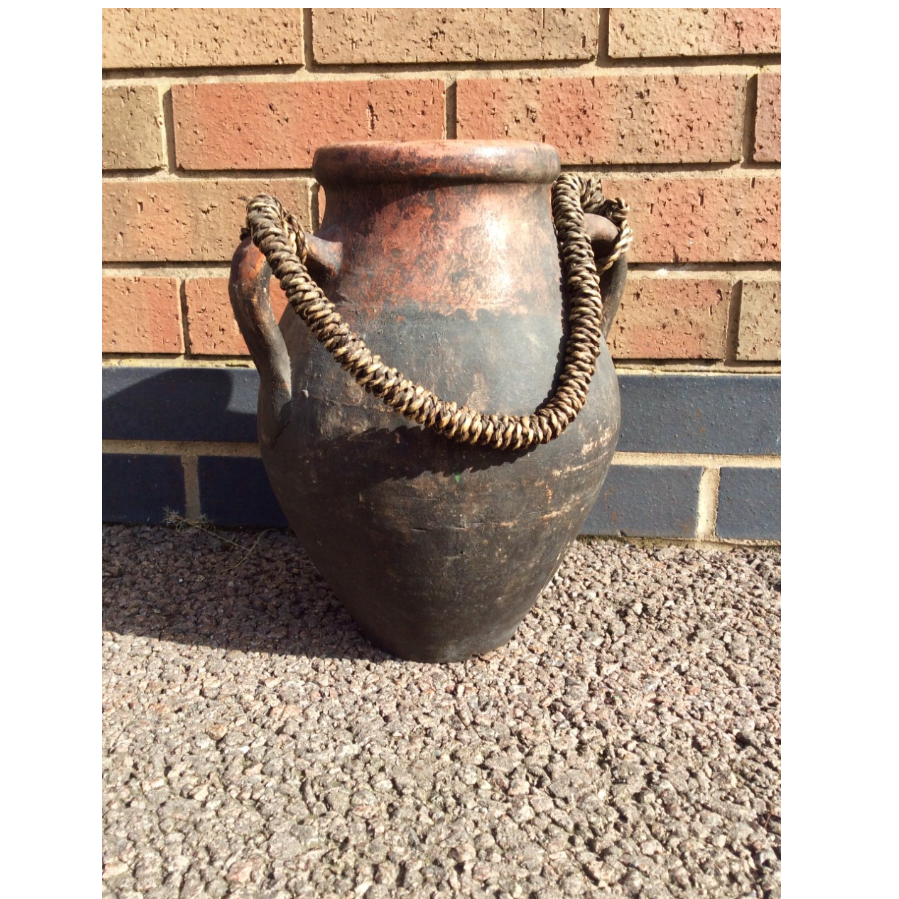 Old Weathered Pot with Corded Handle VIN460C