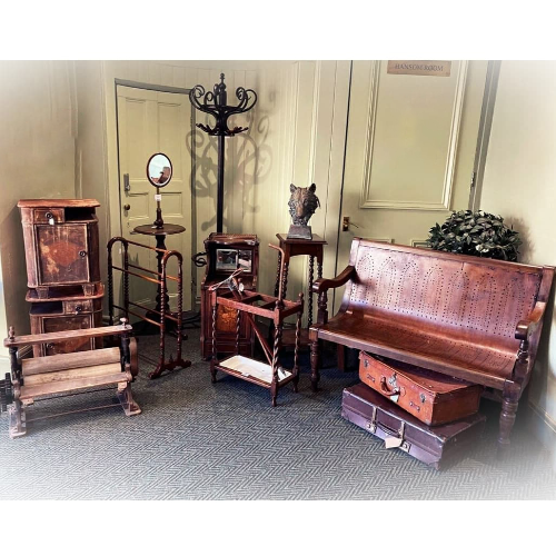 Antiques & Decorative Interiors