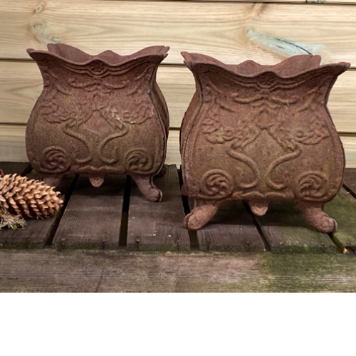 Pair of old cast iron planters VIN462E